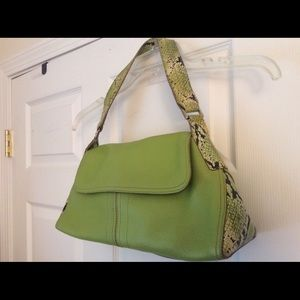 Kennet Cole leather shoulder bag ,green excellent